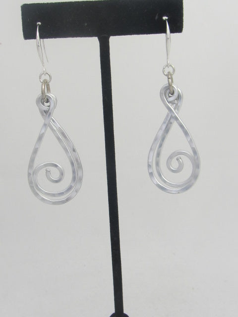 ER 72 Pendulum Earrings