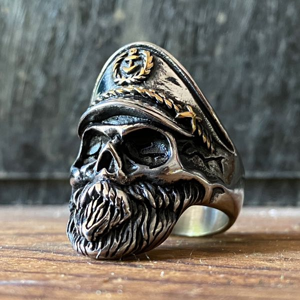 old man in the sea moby dick skull ring