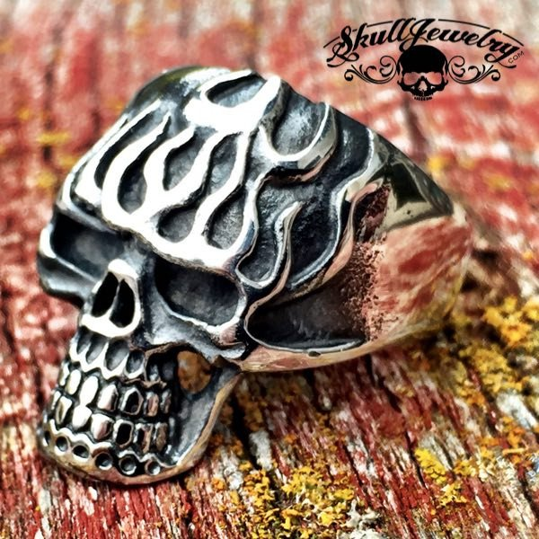Play'n With Fire - Stainless Steel Skull Ring With Flames On Forehead