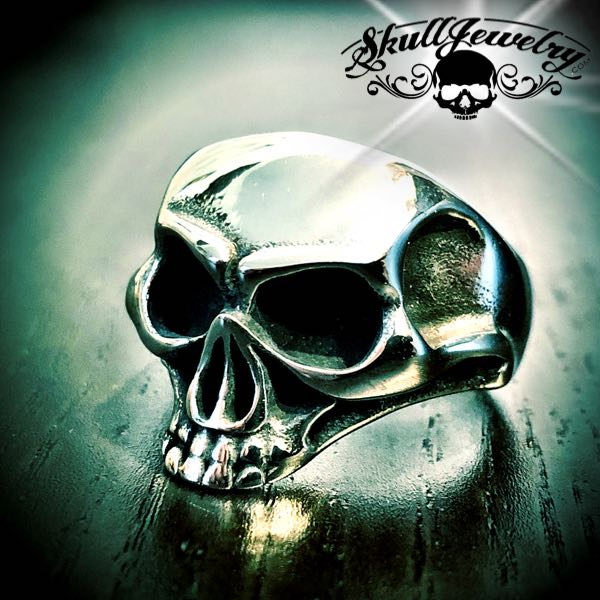 'Friends in Low Places' Jawless Skull Ring (073)