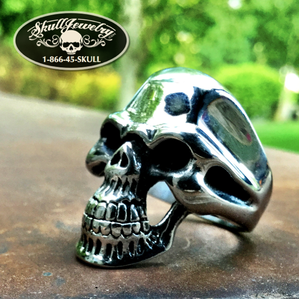 'Baba O'Riley' Classic Skull Ring