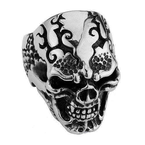 Skull Ring With Side Scales And Swirl Cracks