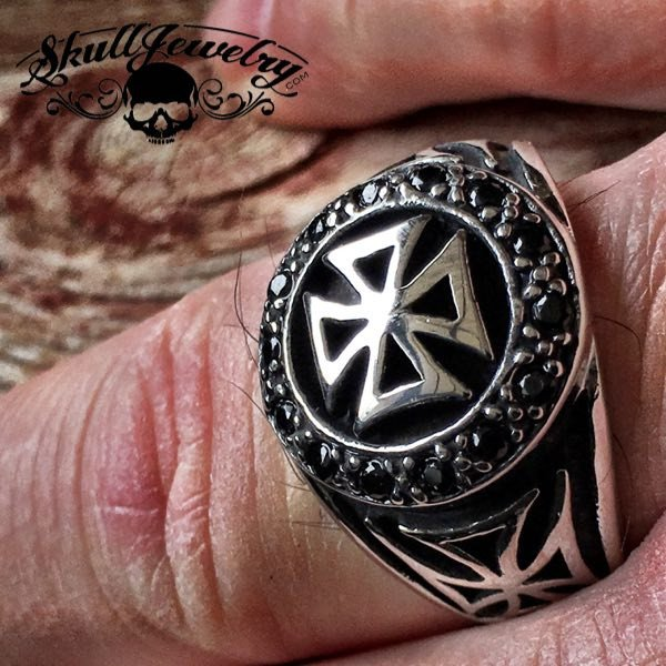 'Knights Templar Cross' Ring w/Black Gemstones