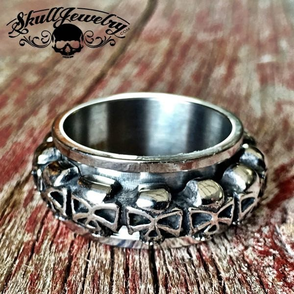 'Wrapped Around Your Finger' SPINNER Skull Ring