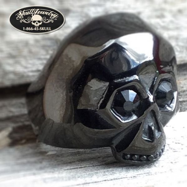 black gem stone eyes skull ring