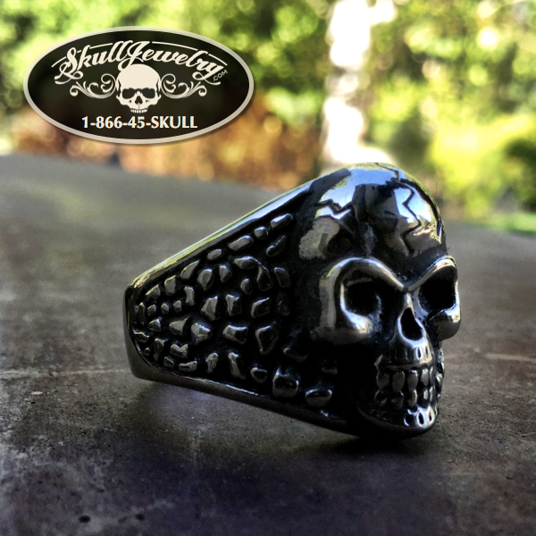 'You Shook Me All Night Long' Skull Ring