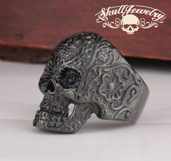 black antique skull ring