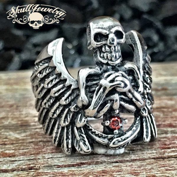 'High-Handed' Skull w/Wings Ring