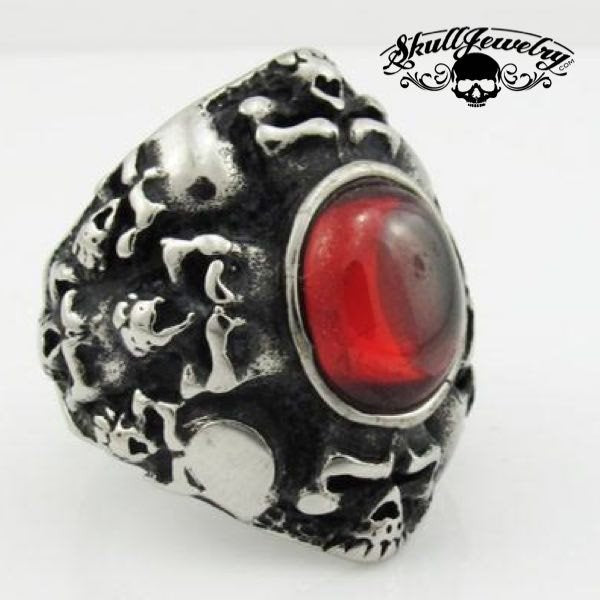 'Runaround' Skull Ring With Red Stone