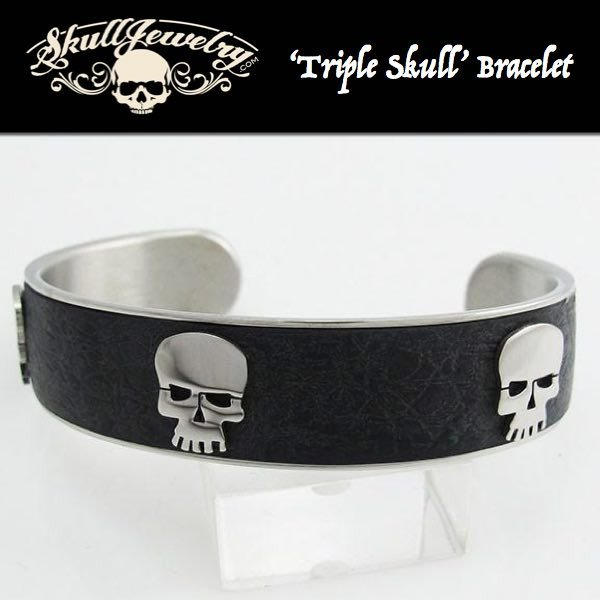 'Triple Skull' Leather & Stainless Bangle Bracelet