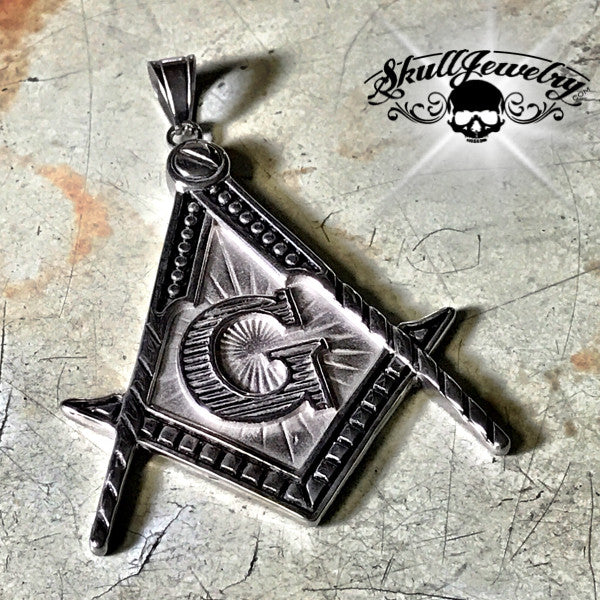 Large Masonic Pendant (p260)