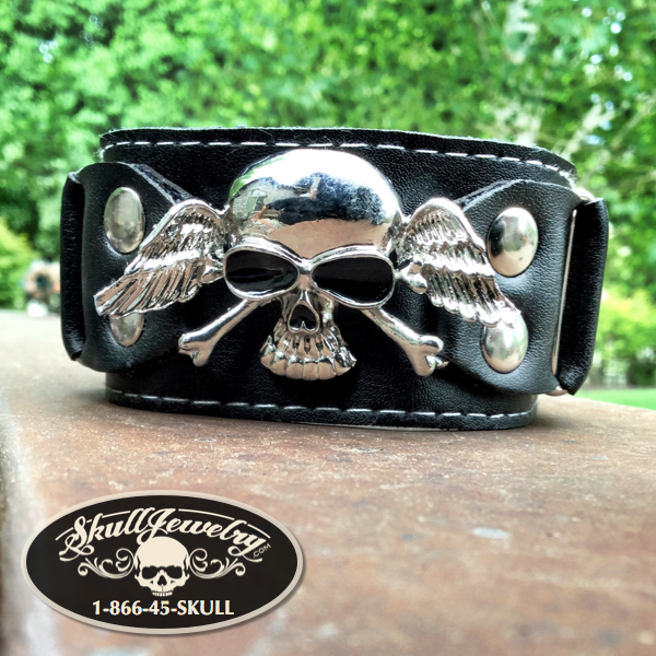 Misfits - Skull & Wings Leather Bracelet