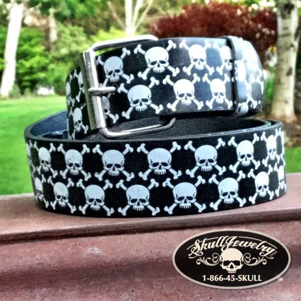 Skull & Crossbones Leather Belt