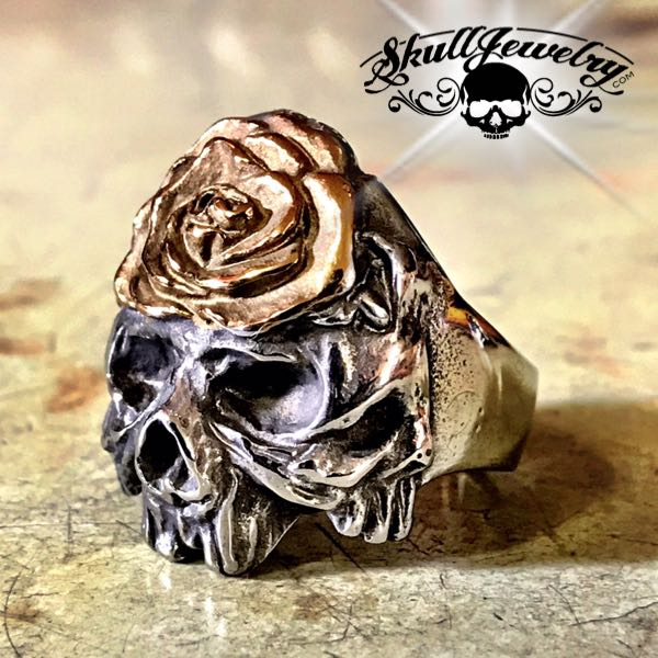 flower on forhead skull ring