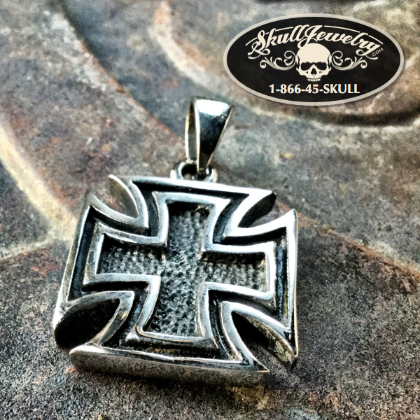'WWII German Cross' Pendant