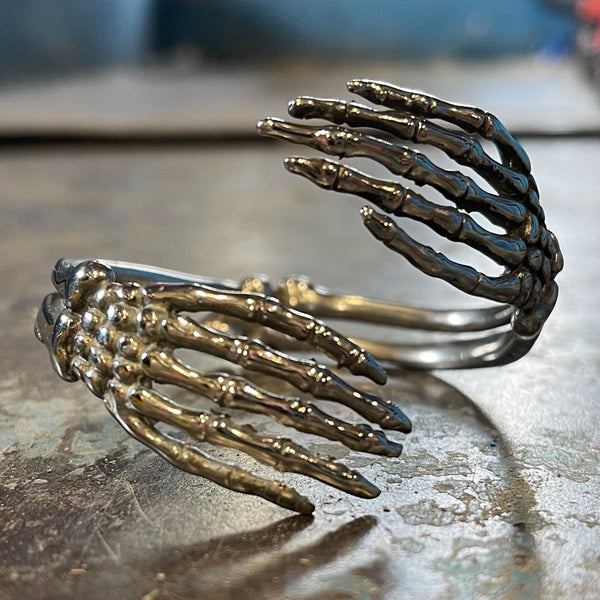 thin fingers boney bracelet