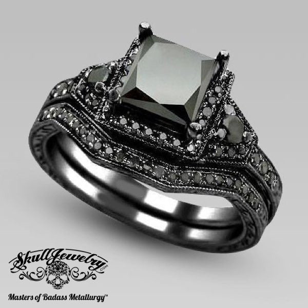 'Bellezza Sorriso' Black Sapphire Wedding/Engagement Ring