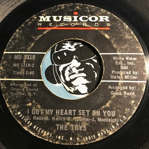 Toys - I Got My Heart Set On You b/w Sealed With A Kiss - Musicor #1319 - Northern Soul