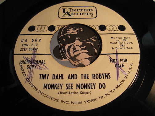 Tiny Dahl & Robyns - Monkey See Monkey Do b/w Sailin Home - United Artists #582 - R&B Soul - Doowop - Girl Group