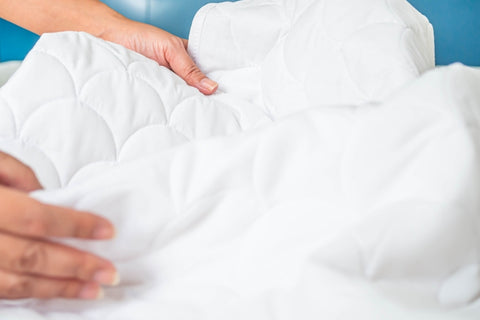 How should you wash your comforter, hands on comforter