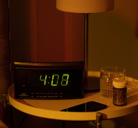 Interesting facts about sleep, blue aritificial light from digital alarm clock