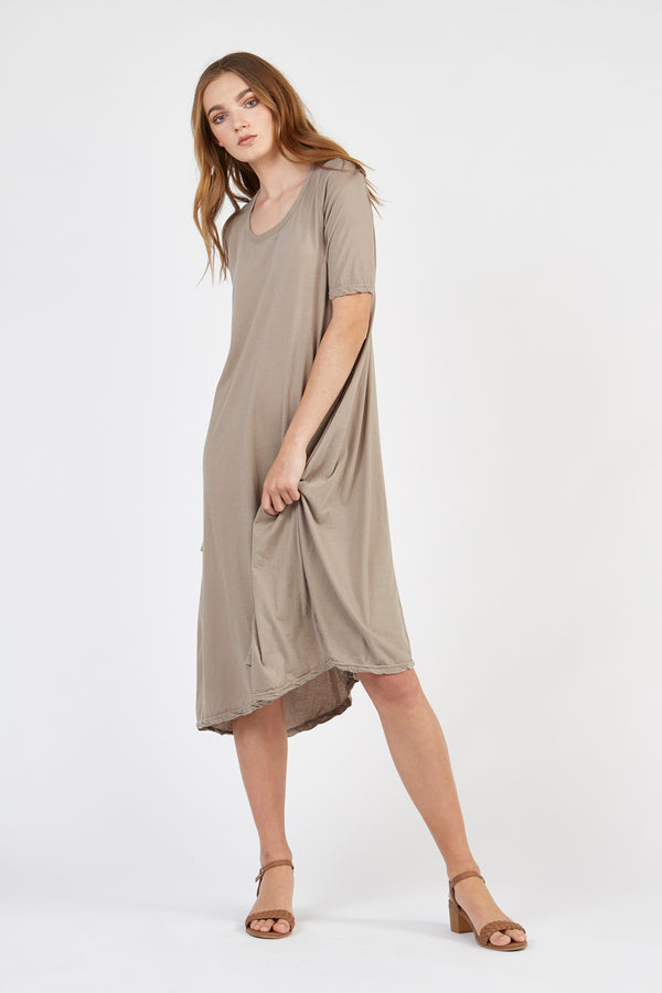 NATI DRESS - PEBBLE