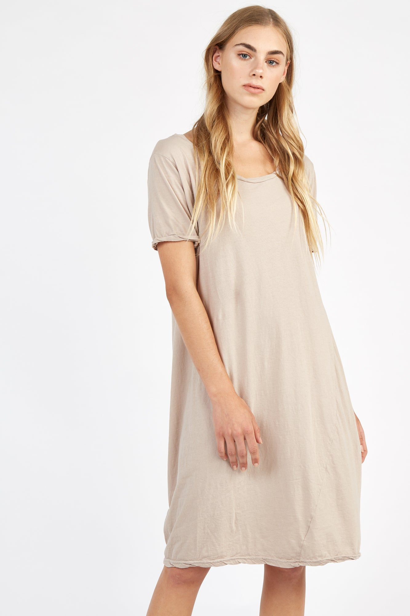 SCOOPED TEE DRESS - BEACHWOOD