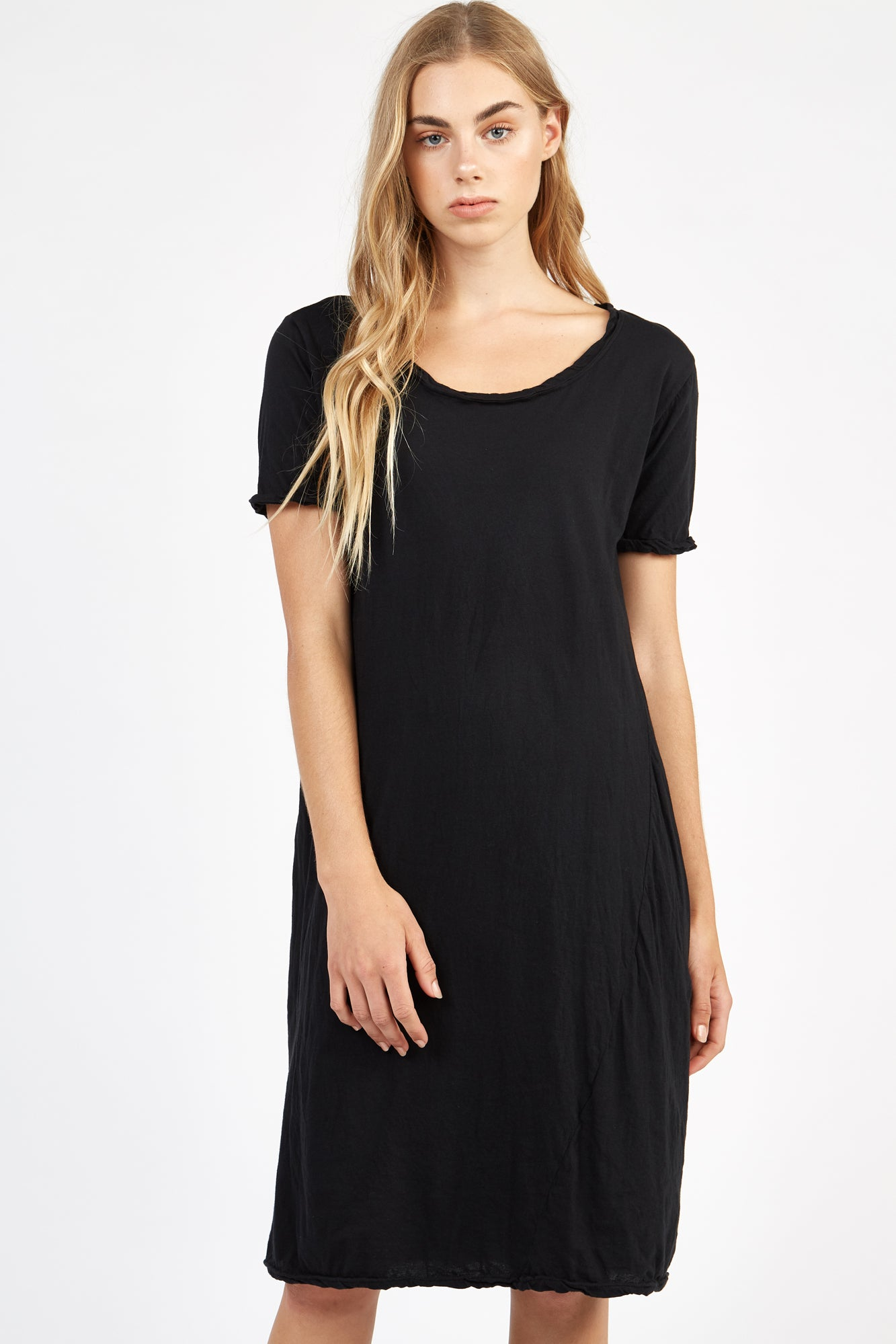 SCOOPED TEE DRESS - NOIR