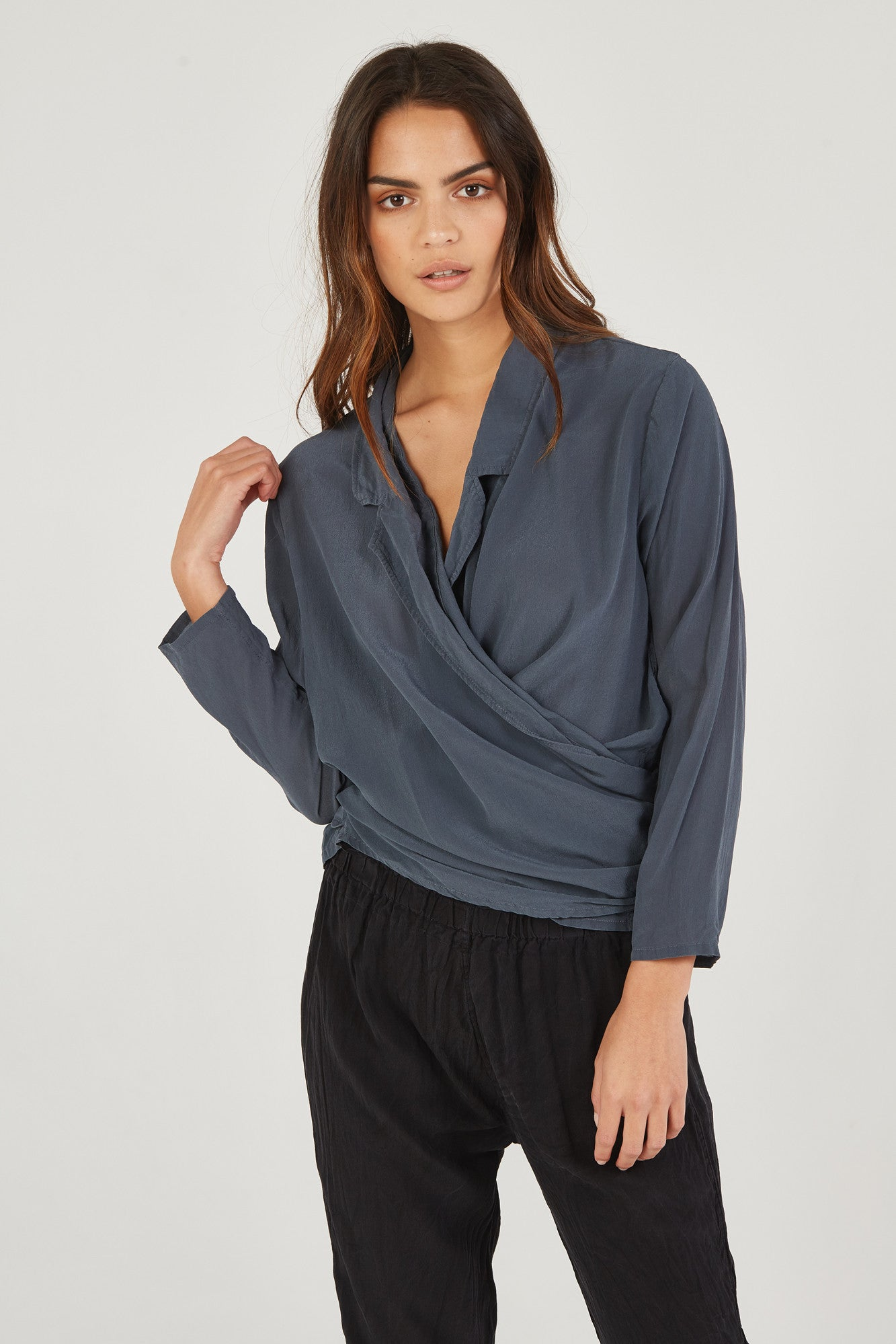 BOMAN WRAP SHIRT - SMOKED CHARCOAL