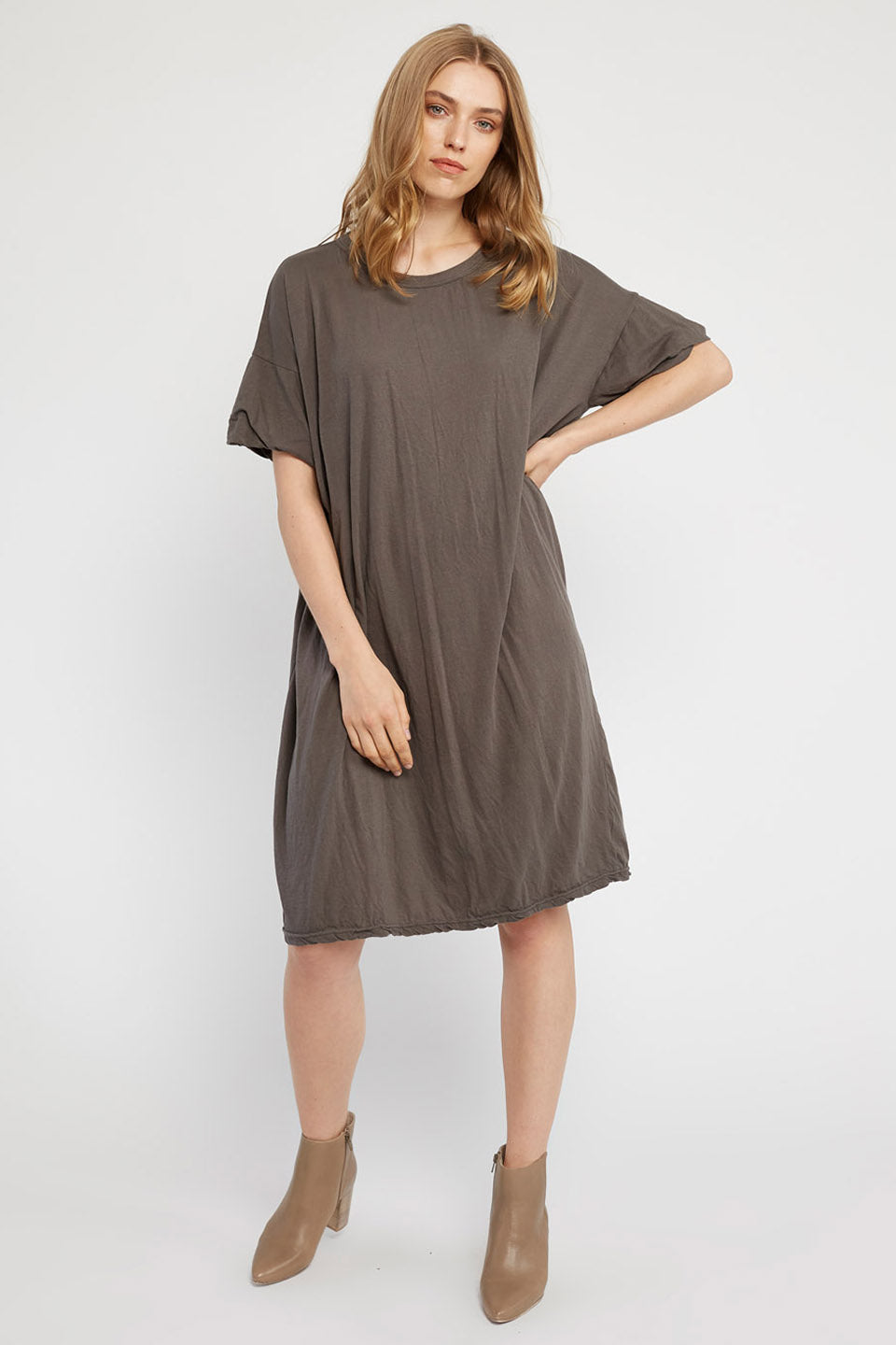SWISSY DRESS - WOODEN