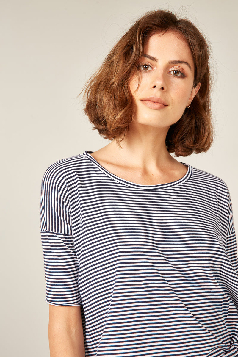 POP STRIPE TEE - NAVY & WHITE