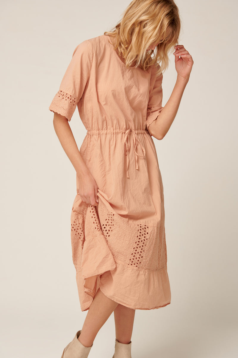 LUDIE DRESS - PEACHED