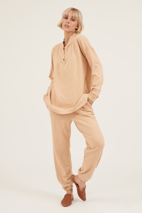 WESTY TRACKIES - PEACH SAND (PRE-ORDER)