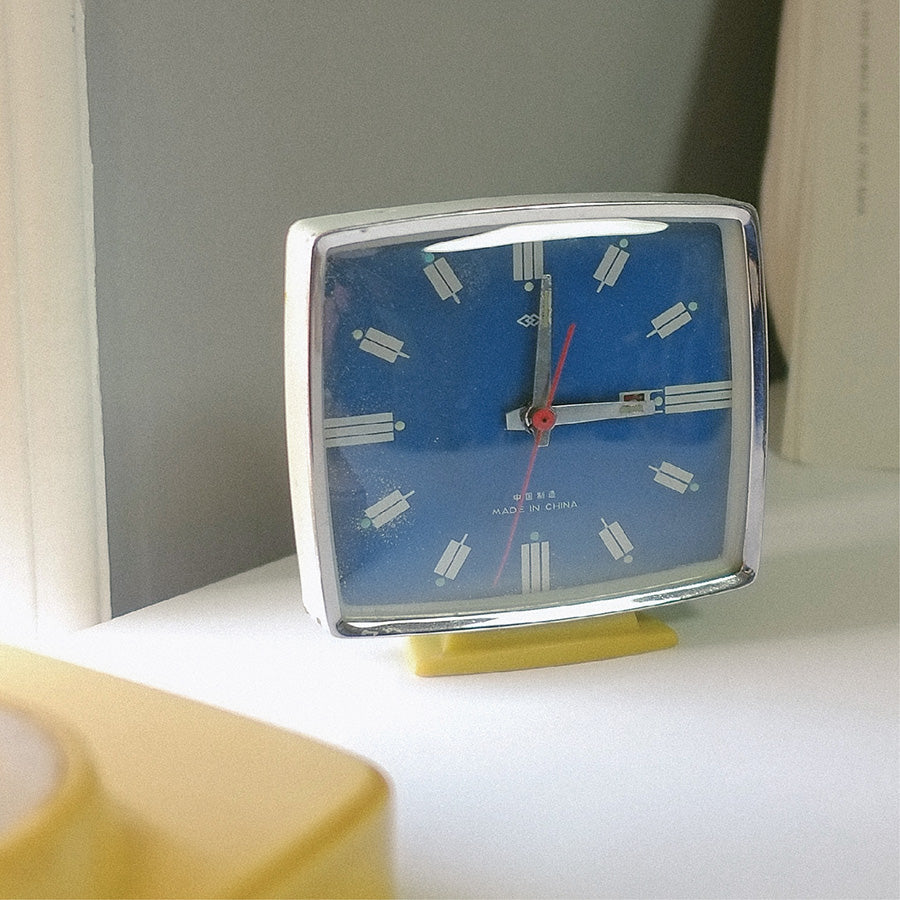1970s Square Face Double Rhombus Classic Table Clock
