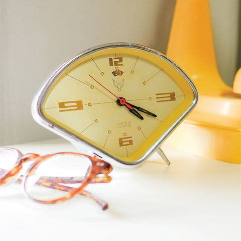 1950s Triangle White Dove Classic Table Clock