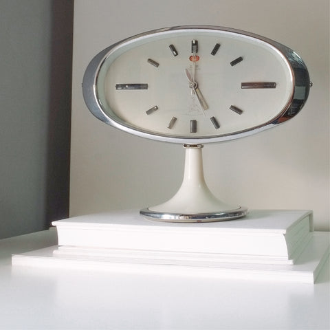 1950s Space Age Five Rams Classic Table Clock