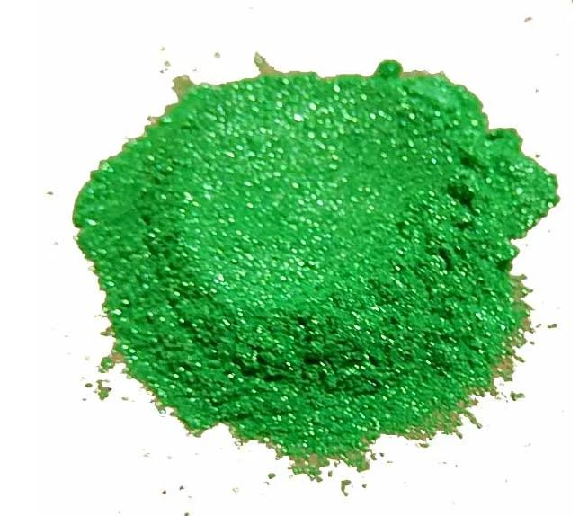 True Green Synthetic Mica Powder - Candi's Vinyl Creations