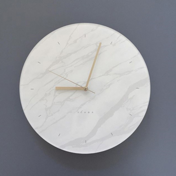 White marble clock 632