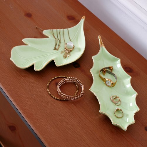 Leaf ceramic tray 229