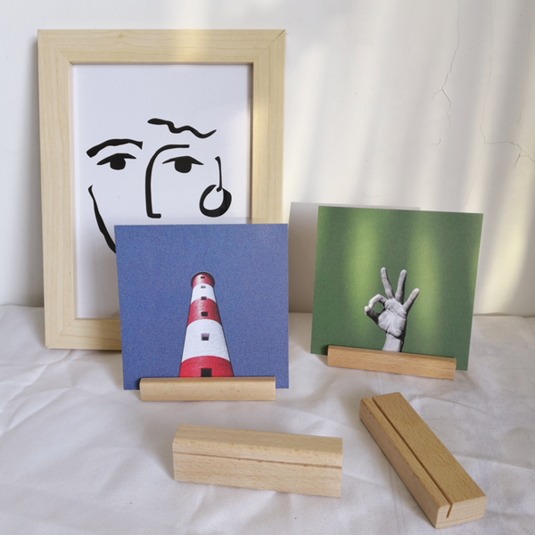 Simple wood display B0047