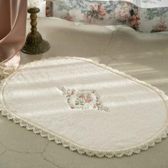 Marian lace foot mat 450