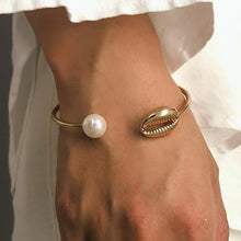 Load image into Gallery viewer, Gold Color Cowrie Shell Bracelet