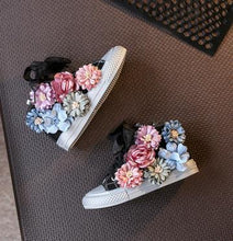 Load image into Gallery viewer, High Top Flower Girls Canvas Shoes