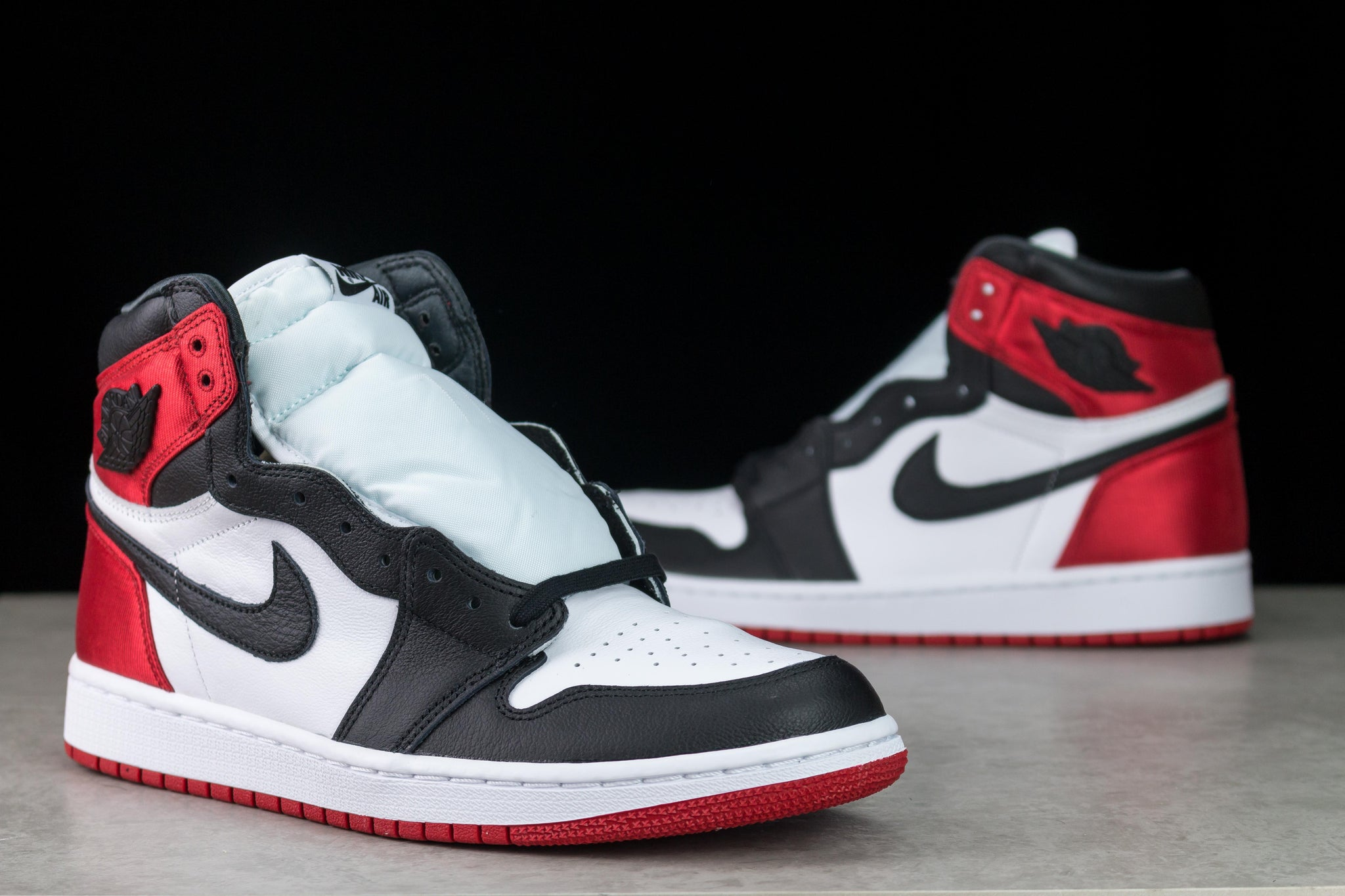 Jordan 1 Satin Black Toe