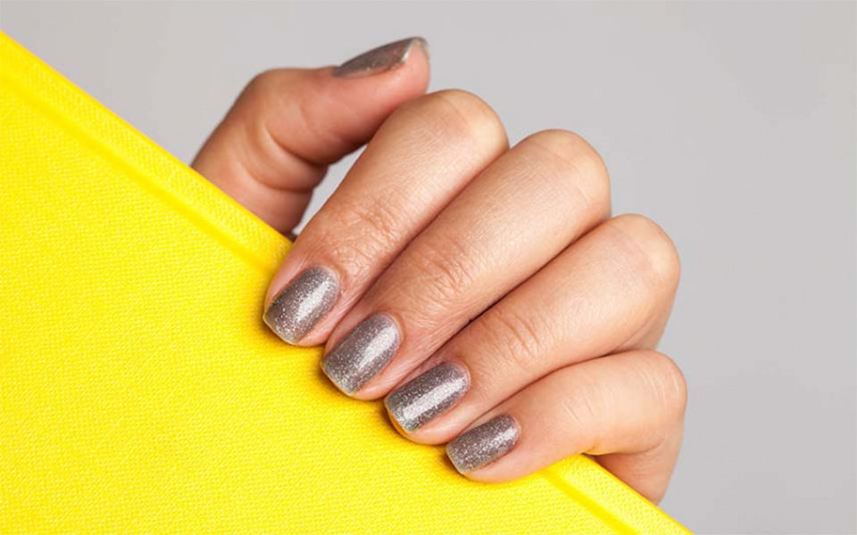 Magic Manicure: How to Score Hypnotic Nails!