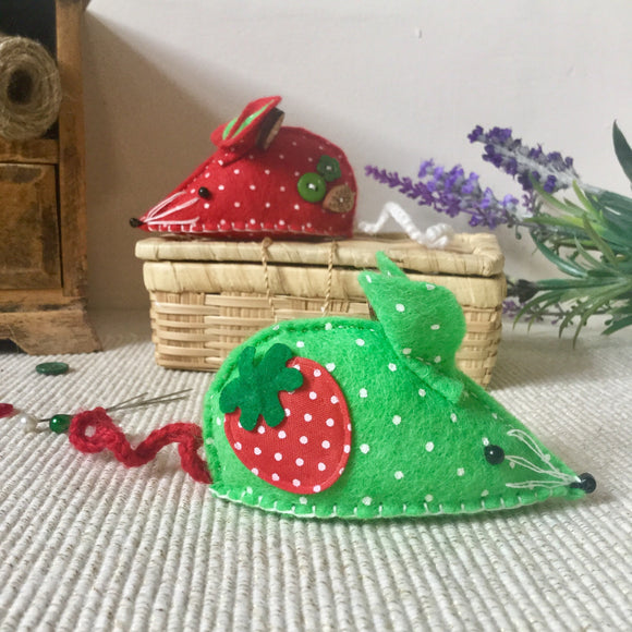 Pin Cushion / Felt Mouse / Strawberry Mouse - Little Bun Designs UK