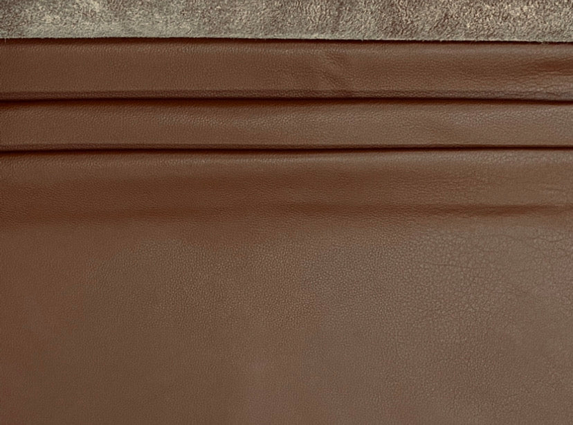 Nassau Luggage Brown Full Grain Leather Cow Hide : (0.9-1.1mm) This Hide Is Perfect for Leather Crafts, Leather Bags , Leather Accessories.