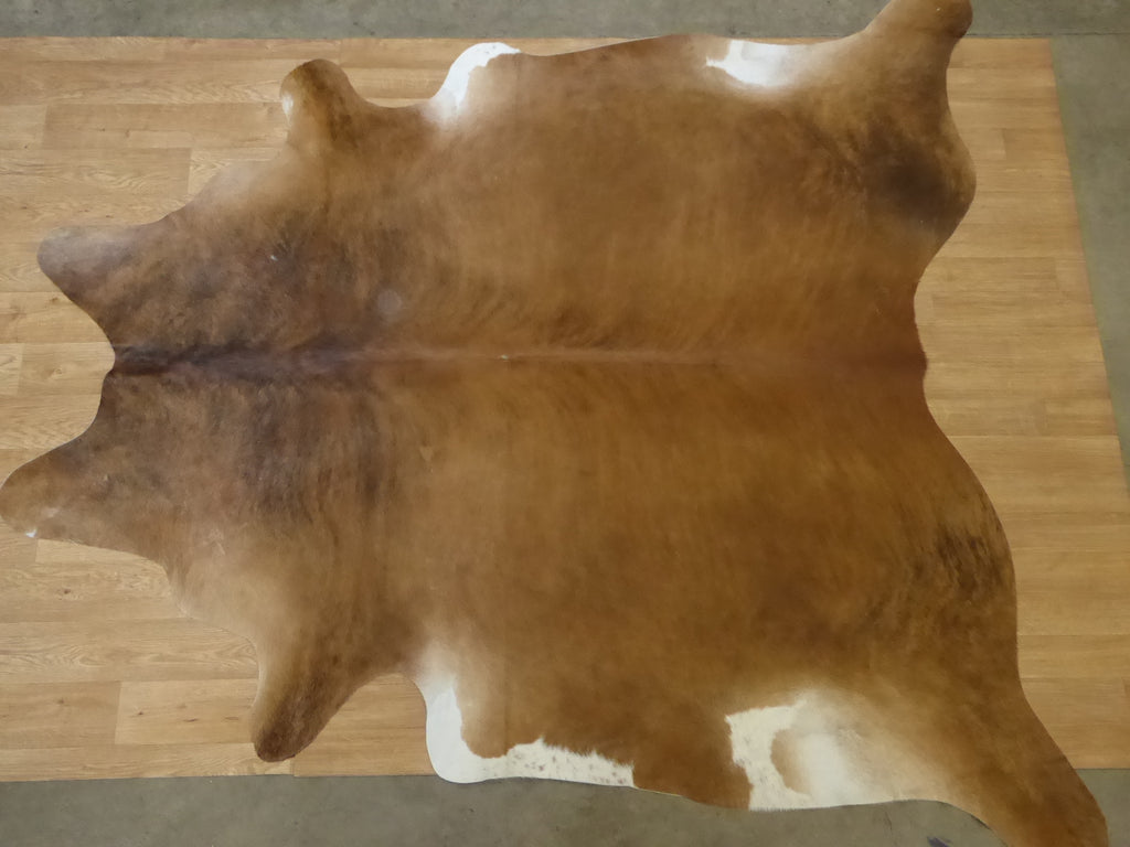 Natural Hair On Cow Hide : This Hide Is Perfect For Wall Hanging, Leather Rugs, Leather Bags & Leather Accessories (pic code 1020003)