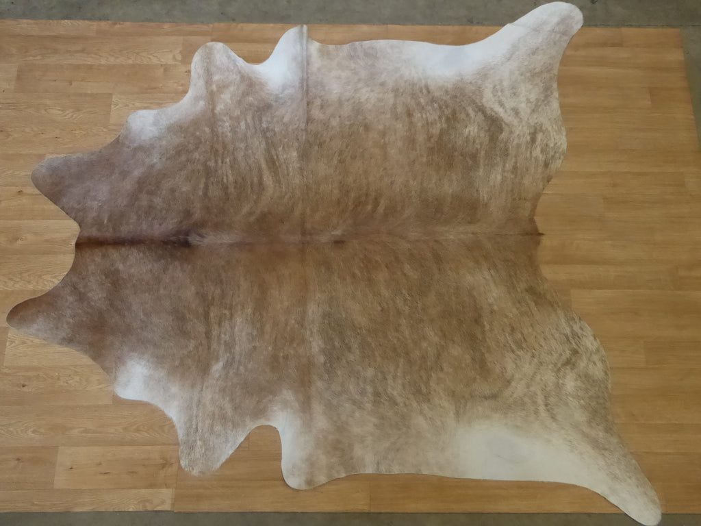 Natural Hair On Cow Hide : This Hide Is Perfect For Wall Hanging, Leather Rugs, Leather Bags & Leather Accessories (pic code 1020004)