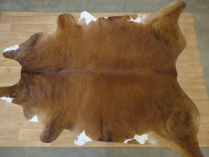 Natural Hair On Cow Hide : This Hide Is Perfect For Wall Hanging, Leather Rugs, Leather Bags & Leather Accessories (pic code 1020025)